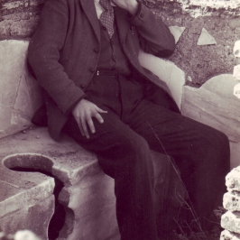 Douglas on a roman toilet, 1948